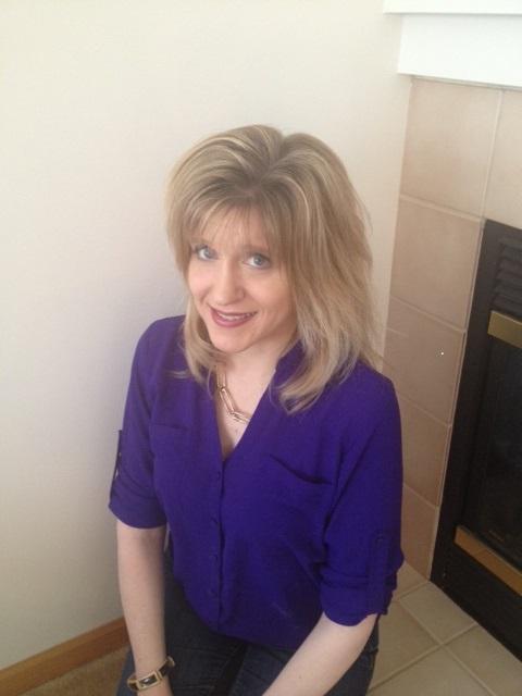 Rebecca Sundin Headshot