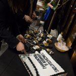 Judge Franklin Ulyses Valderrama cutting his cake